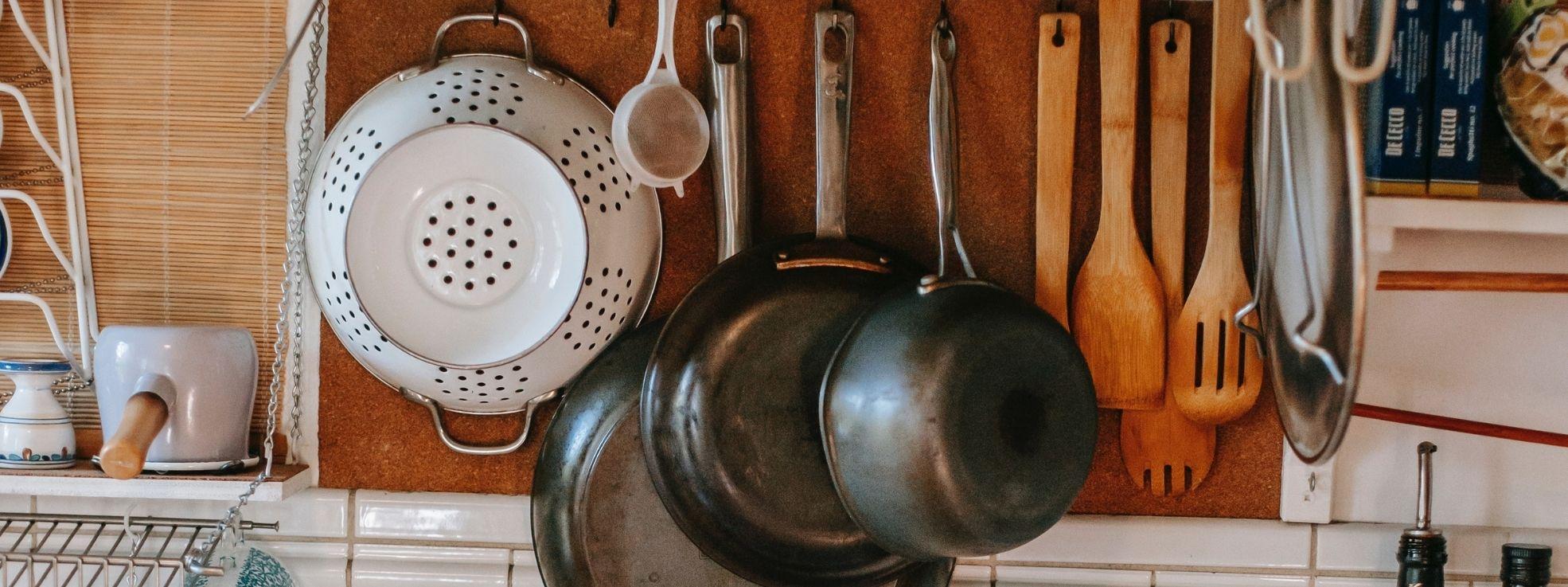 باورچی خانے کے ضروری برتن جو ہر نئے باورچی کے پاس ہونے چاہئیں